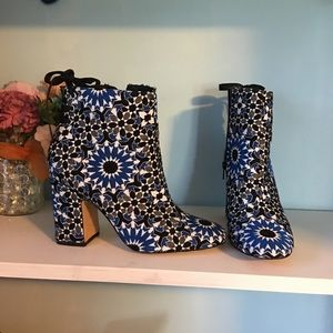 ASOS Size 9 Blue Patterned High Heel Bootie